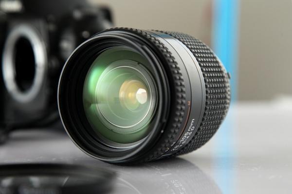 lens-190972_640